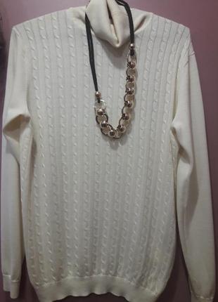 Шерстяной свитер цвета экрю