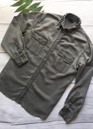 Стильная рубашка с шипами