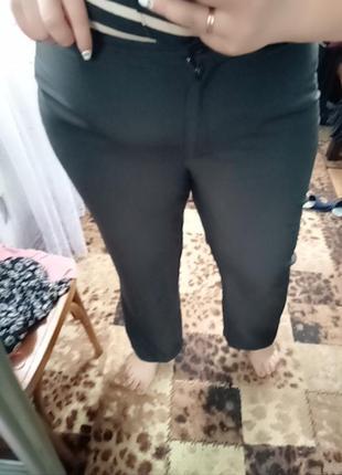 Чорні класичні штани в чудовому стані