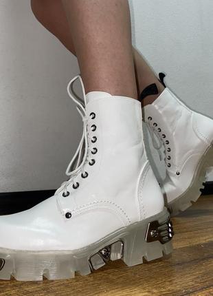 Ботинки с железными вставками new rock demonia buffalo натуральная кожа белые ботинки