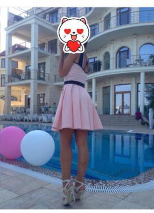 Романтичное платье розовое