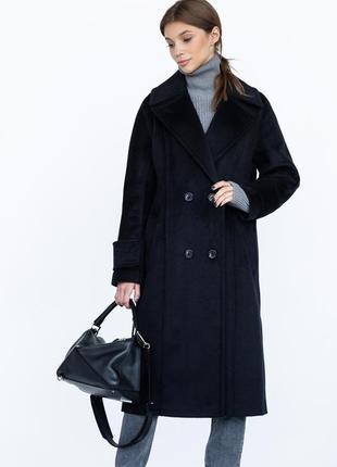 Шерстяное зимнее пальто на пуговицах