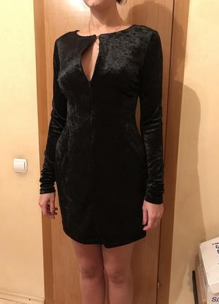 Бархатное платье с молнией на груди