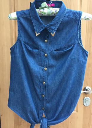 Джинсовая рубашка безрукавка