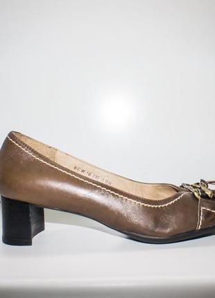 Туфли элегантные кожаные staccato, р. 37