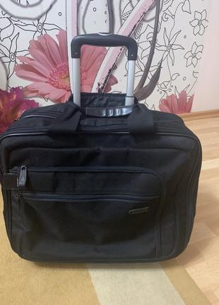 Tripp чемодан на колёсах для ноутбука и документов