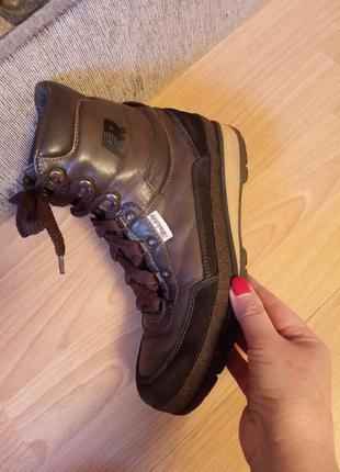 Германия,шикарные,кожаные ботинки,прорезиненные ботинки,бутсы,мембрана