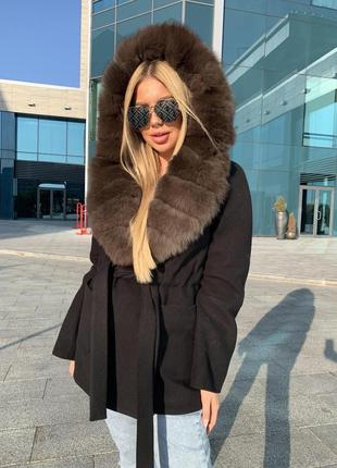 Тёплое пальто с мехом песца