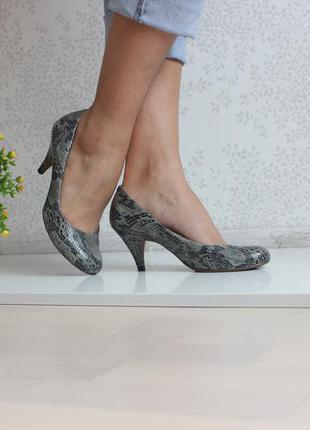 Туфли под змеиную кожу, бренд marks & spencer 38-39