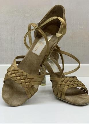 Обувь для танцев/ обувь для бальных танцев
