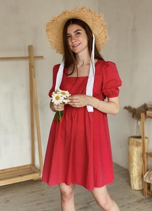Платье в горошек с рукавами-фонариками