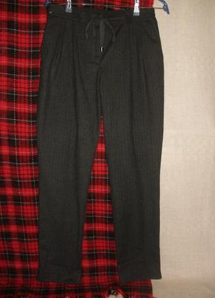 Комфортные брюки штаны из вискозы на межсезонье next с кулисой в поясе