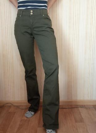 Штаны/джинсы средняя/высокая посадка