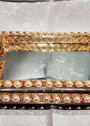 Квадратный подноноч золото