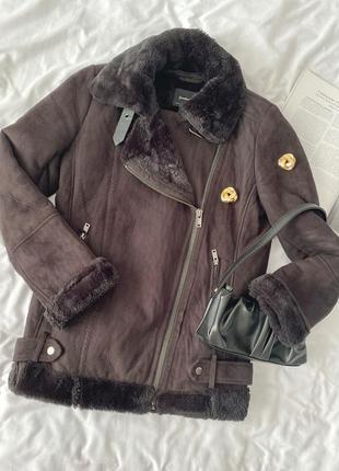 Зимняя чёрная куртка-авиатор , дубленка stradivarius