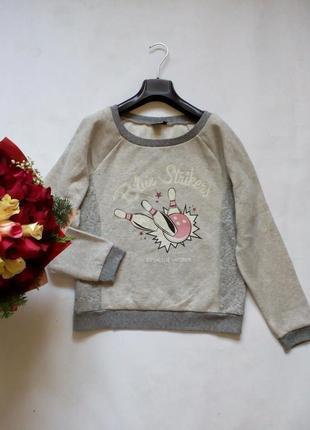 Теплый свитшот свитер свободного кроя