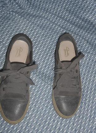 Гламурные  кожаные мокасины на шнурках,clarks