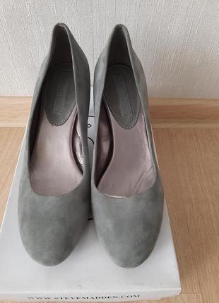 Туфли замшевые  banana republic р 37,5