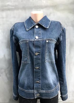 Стильная джинсовка с заводскими потёртостями