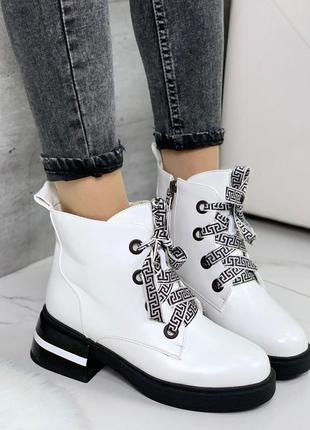 Белые зимние ботинки = vikki=