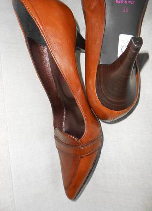 Кожаные итальянские туфли новые, 38 р.