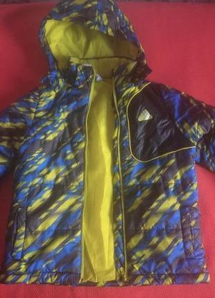 Шикарная курточка адидас