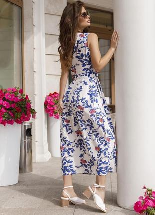 Льняное платье с декольте на запах