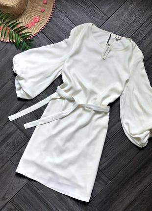 Платье с обьмными рукавами