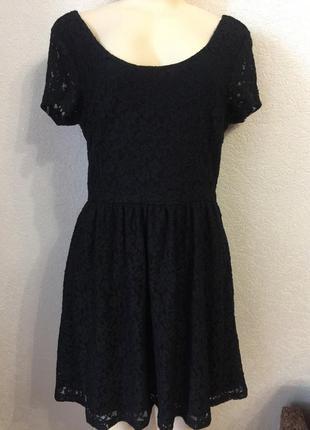 Черное кружевное платье короткое размер м