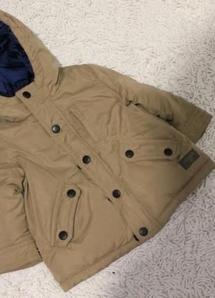 Очень стильная утепленная деми куртка zara на 6-9 месяцев рост 74 см