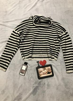 Вязаный свитер водолазка  в полоску