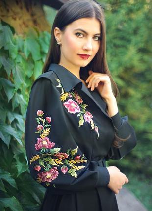 """Изумительное чёрное платье с ручной вышивкой """"дивный цветок"""""""