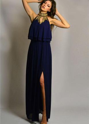 Умопомрачительное вечернее платье в пол с разрезом, вышивкой бисером и камнями tfnc london