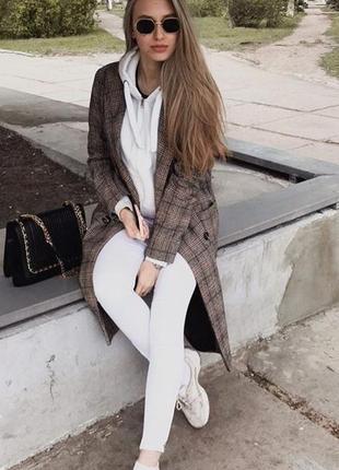 Стильное клетчатое пальто