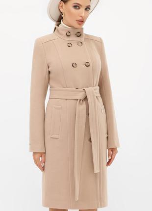 Бежевое кашемировое пальто