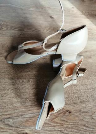 Туфли для бальных танцев для девочек (р. 23.5)