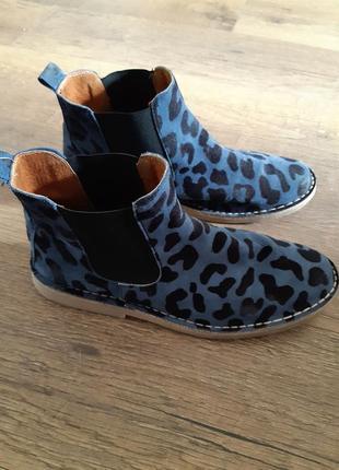 Фирменные кожаные ботинки сапожки