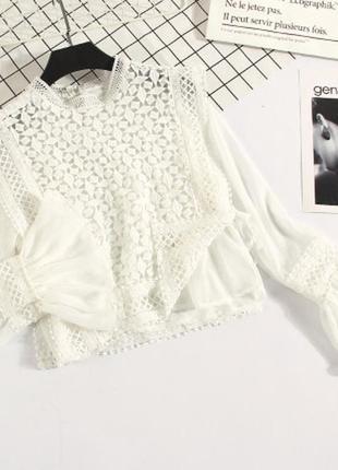 Вишукана жіноча укорочена біла блуза  розмір s-m