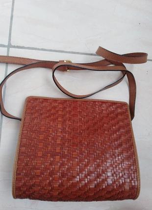 Кожаная сумочка от итальянской марки desmo.