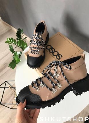 Туфли на шнурку asos бежевые з прорезиненным носком