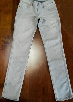 Продаю женские джинсы wrangler