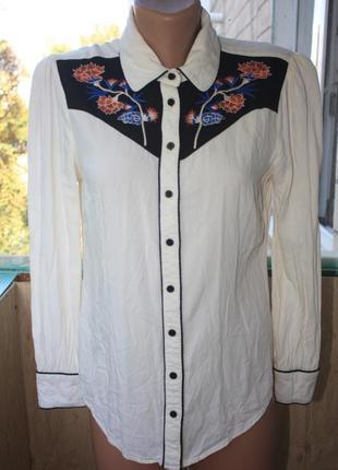 Стильная рубашка с рукавом с цветочной вышивкой вышиванка