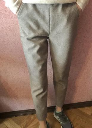 Стильные тёплые штаны брюки
