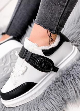 Черно-белые кроссовки женские alex зима