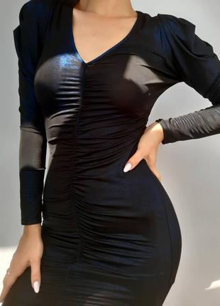 Крутое переливающееся платье