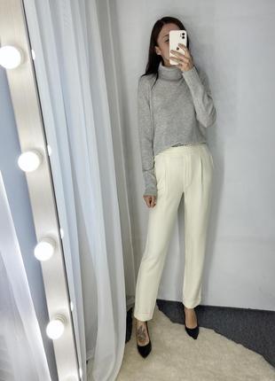 Кремовые брюки massimo dutti