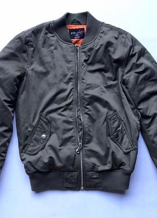 Куртка бомпер стан ідеал