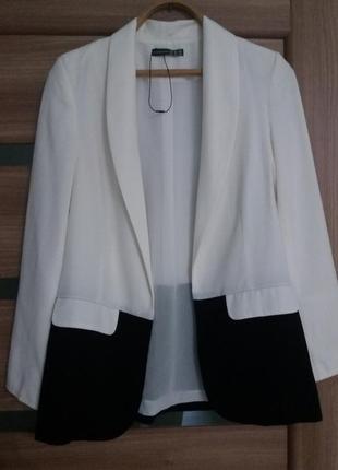 Стильный пиджак свободного кроя