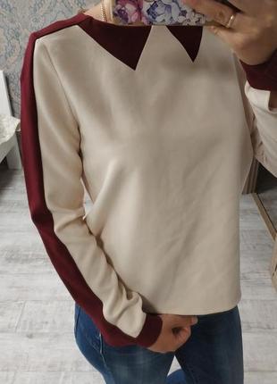 Новая красивая блуза кофточка