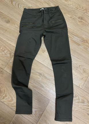 Шикарные штаны джинсы цвета хаки с замками